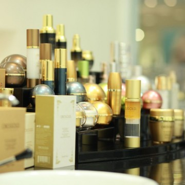 OROGOLD products display.