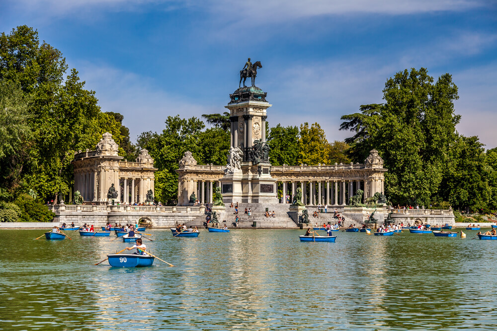 Lake in Buen Retiro, Madrid, Spain